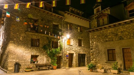 Een Spaanse vrouw heeft haar woning in Barcelona bezet, nadat haar huurder de woning ongevraagd op Airbnb had gezet.